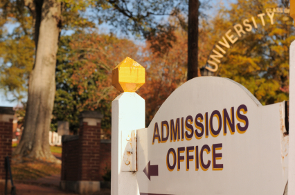 college-announces-need-blind-admissions-policy-10031001