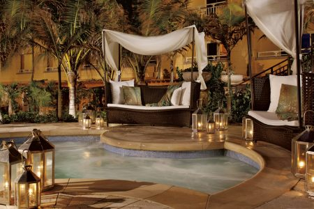 The jacuzzi at The Ritz-Carlton Palm Beach. Wouldn't you love to curl up here for an afternoon. Or a lifetime?