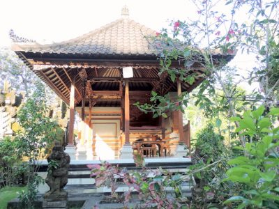 """On the """"yes, please"""" list is this traditional Balinese house called """"sikut satak"""" in Tampaksiring, Gianyar. A one-minute walk from the village, it has its own family temple and rates start at just $13."""