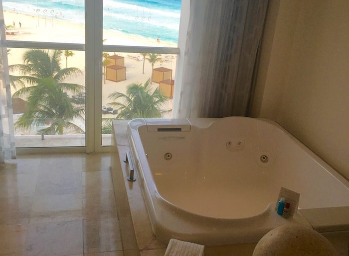 Bathtub, Le Blanc, Palace Resorts