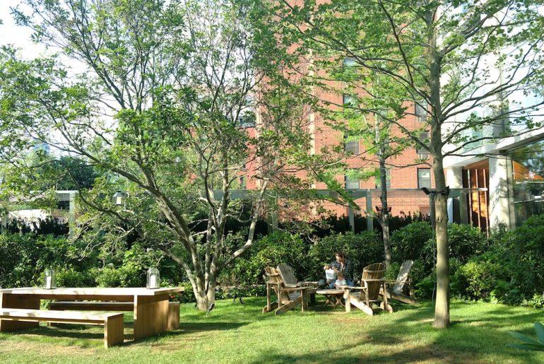 Public Hotel, Garden