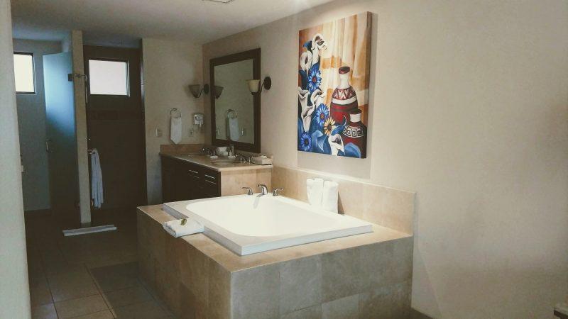 bathtub at Pueblo Bonito Los Cabos Resort