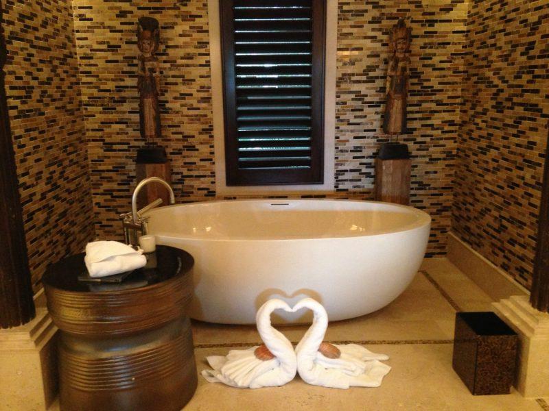 bath tub at Villa Manzu