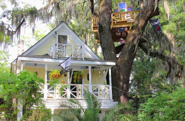 Diamond Oaks Treehouse in Savannah, Georgia.