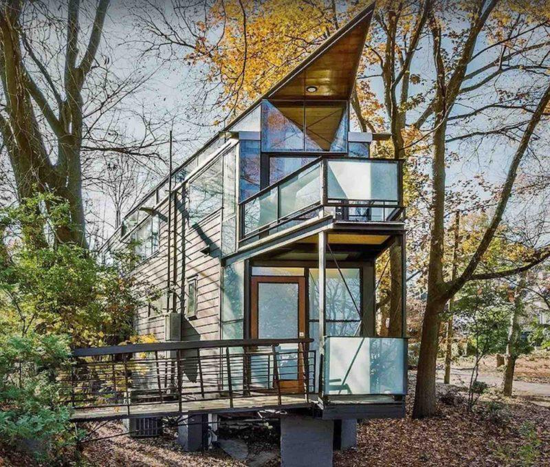 urban glass treehouse in Atlanta
