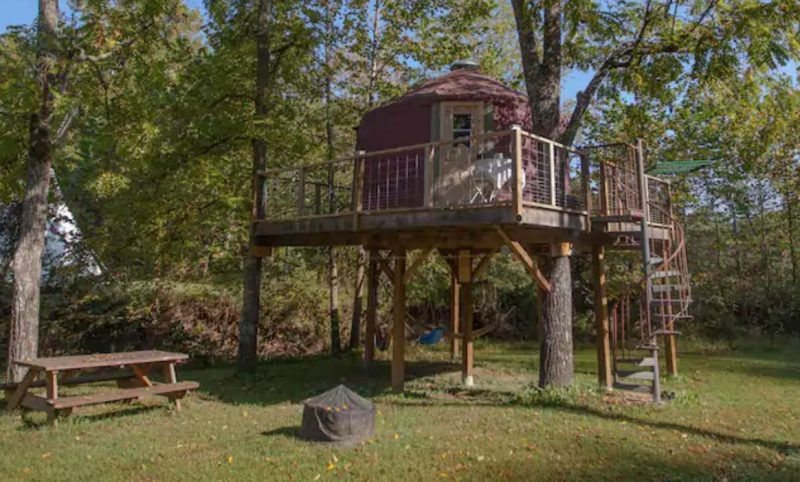 Abi's Arboreal Abode treehouse