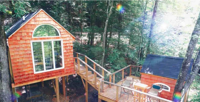 Eagles Nest Treehouse in Stanton Kentuck