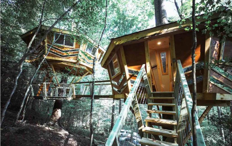 The Lookingglass Treehouse in Campton, Kentucky