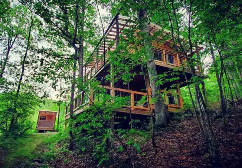 Treetop Flyer Treehouse