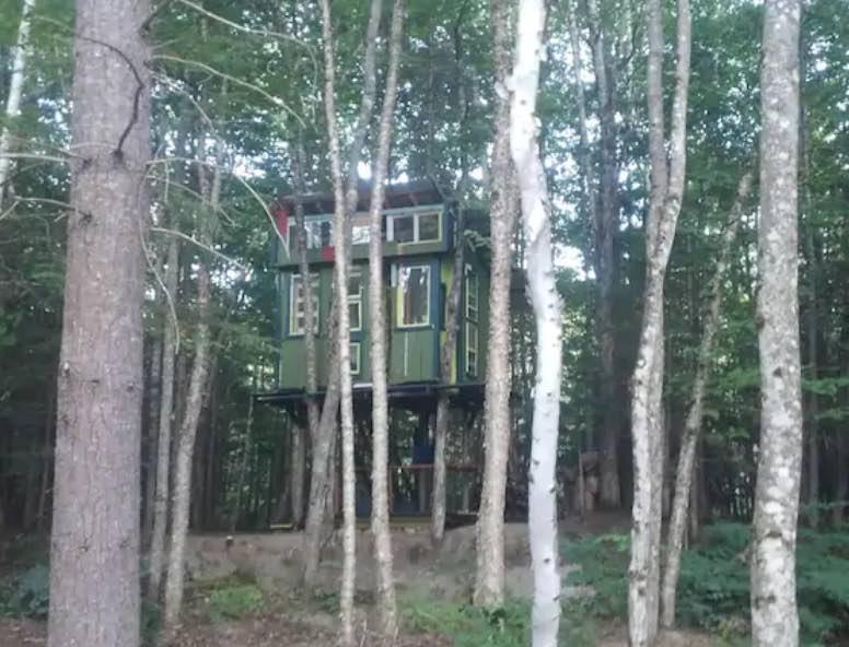White Mountains Heated Treehouse