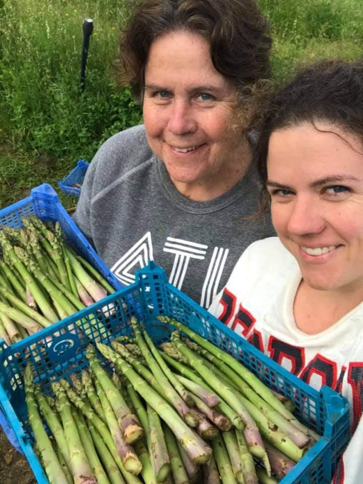 Alicia Phillip and daughter Alice, Ecos do Vale
