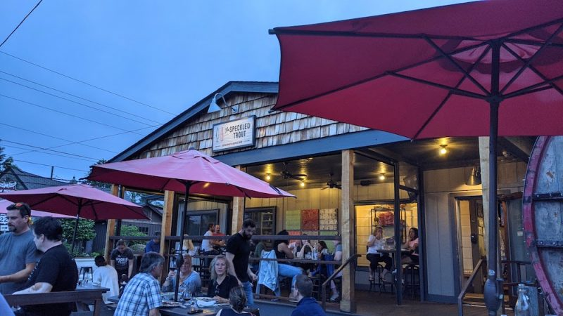exterior of speckled trout restaurant in blowing rock, nc